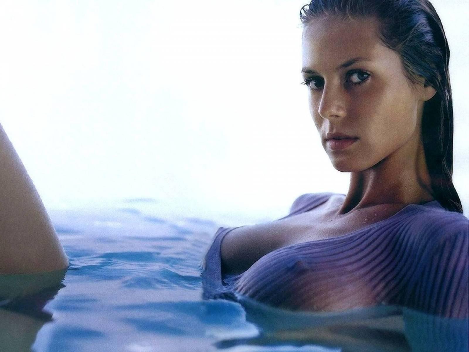 Самые красивые голые девочки в мире 27 фотография