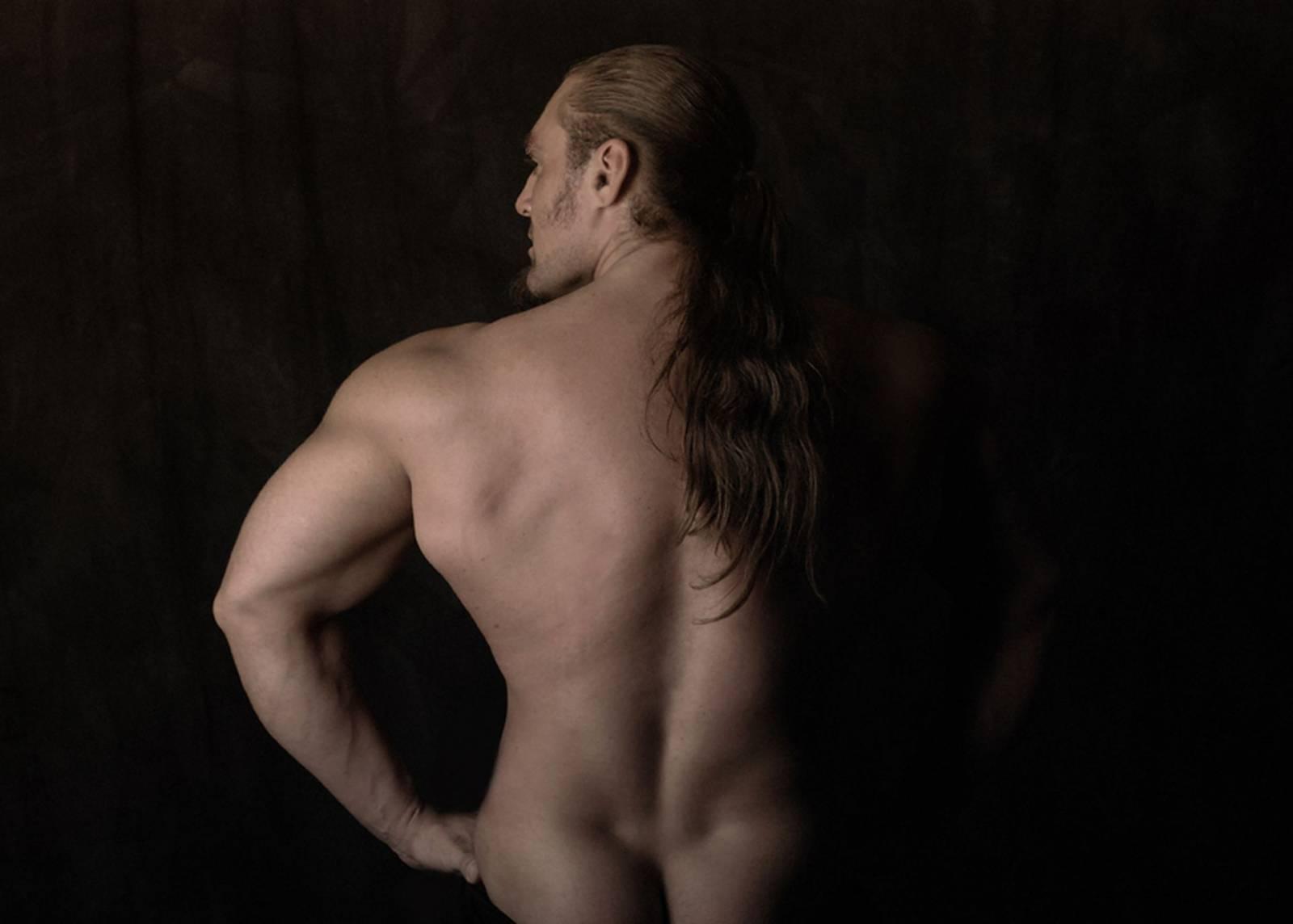 Студийные фото обнажённых мужчины 6 фотография
